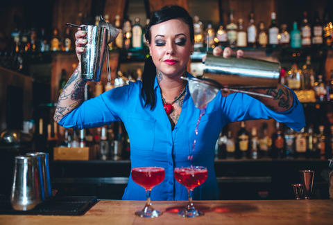 bartender image for unsobered weekly roundup